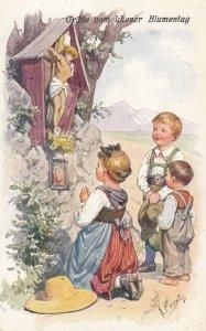 Grusse vom Wiener Blumentag , Austria , 00-10s Kids at shrine