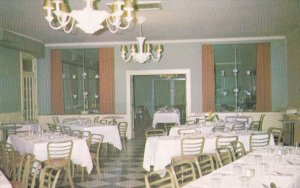 GALT , Ontario , Canada , 50-60s ; Interior ; Iroquois Hotel , Dining Room