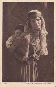 Tunisia Tunis Madre beduina Local Girl In Native Costume