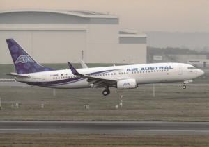 AIR AUSTRAL, Boeing 737-89M, at Toulouse, unused Postcard