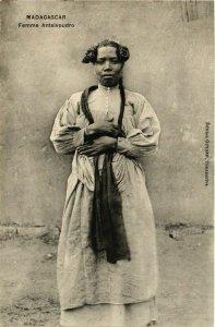 CPA Femme Antaivoudro MADAGASCAR (709426)