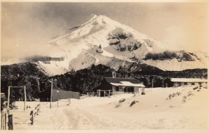 RP: NEW ZEALAND, 1910-20s; Mt. Egmont and Old House