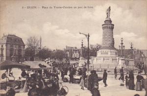 France Dijon Place du Trent Octobre un jour de Foire
