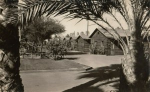 RP: PHOENIX, Arizona, 1930-50s ; Log Cabin Court