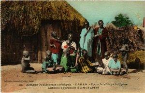 CPA AK Fortier 13 Dakar Enfants apprenant lire Coran SENEGAL (812253)