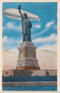 ZEPPELIN, AIRSHIP, BLIMP, In Flight over Statue of Liberty, New York NY, 1920's