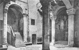 Italy Firenze Palazzo Davanzati Il Cortile