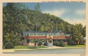 GATLINBURG, Tennessee, 1930-40s; M & O Tea Room, at Wishing Well