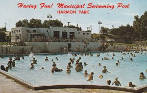 KEARNEY, Nebraska, PU-1964; Kearney's Municipal Swimming Pool, Harmon Park