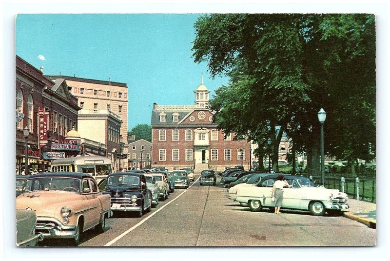 Postcard RI Newport Washington Square Old Colony House 1950's Old Cars H04