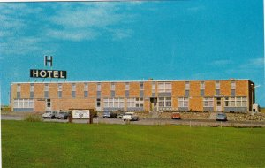 SWIFT CURRENT , Saskatchewan, 50-60s; Skyline Motor Hotel