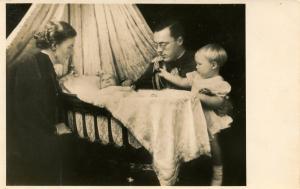 Dutch Royalty -  Prince Bernhard and Juliana and Children  *RPPC             ...