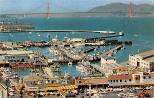 San Francisco, Panorama of Fisherman's Wharf, port harbour, auto cars