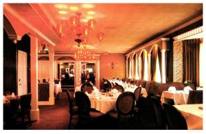 Rhode Island Warwick , Golden Lantern Restaurant , Diningg Room