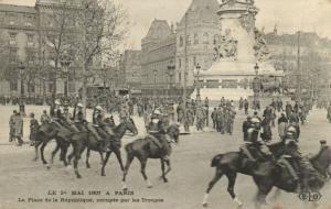 CPA Paris 2e (Dep. 75) La Manifestation du Ie Mai a Paris (82187)