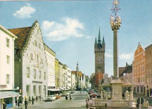 Germany Straubing an der Donau Stadtplatz und Dreifaltigkeitssaeule
