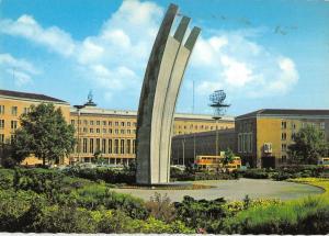 GG7181 berlin luftbruckendenkmal    germany