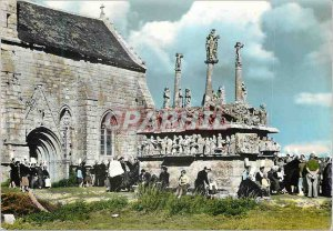 Modern Postcard Calvary Tronoen Britain Folklore (aneimee)