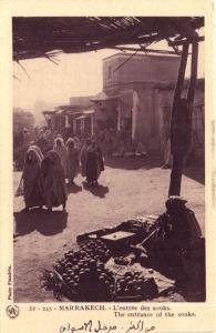 Maroc CPA Marrakech L'entrée des souks Flandrin (37911)