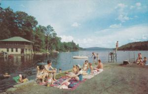 Public Dock , GEORGES MILLS , New Hampshire , 50-60s