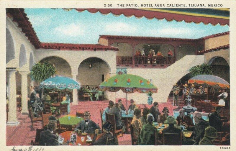 TIJUANA, Mexico, 1910-20s; Patio, Hotel Agua Caliente