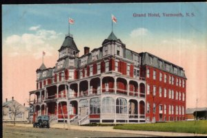 Nova Scotia YARMOUTH Grand Hotel with old car - Divided Back