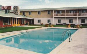 Grasslands Hotel , MERRITT , B.C. , Canada , 40-60s Swimming Pool