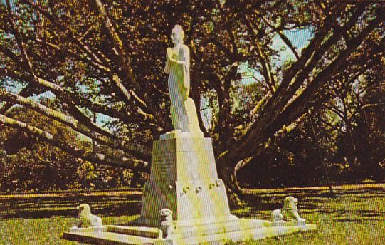 Sri Lanka Ceylon Statue of Vihara Maha Devi Cinnamon Gardens Colombo