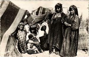 CPA Scenes & Types Campement de Nomades Algerie (735737)