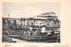 Djibouti Arrivee du Gouverneur Au Cafe de la Paix pirogue boats
