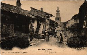 CPA Une Rue a YVOIRE (450145)