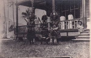 RP: SAMOA , 00-10s ; Natives in front of Home