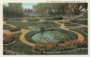 MINOT , North Dakota, 30-40s ; Sunken Garden , Roosevelt Park