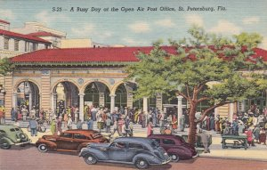 P1772 vintage many people old cars post office st. petersburg florida