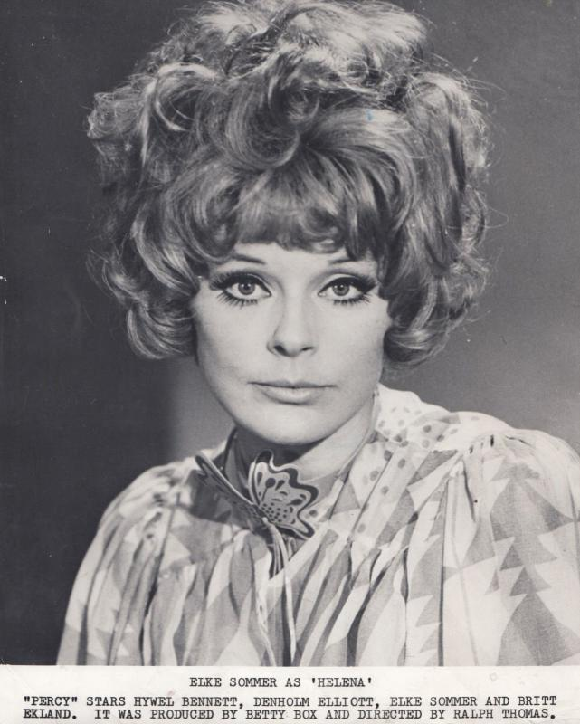 Elke Sommer in Percy with Britt Eckland Vintage Press Photo
