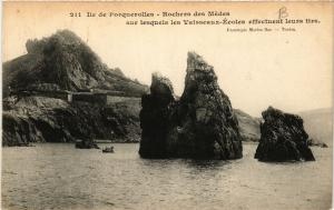 CPA PORQUEROLLES Rochers des Médes (411120)