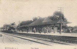 SAYVILLE , L.I. , New York, 1908 ; Train at Railroad Depot
