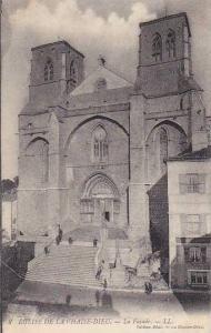 France La Chaise-Dieu Eglise La Facade