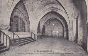 LA CONCIERGERIE, Rue de Paris, Quartier des Paileux en 1793, Prisonniers soum...