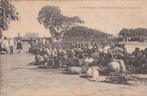 Africa Guinea Captives foulahs qui sont venus a Kindia pour se soumettre