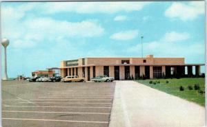 KANSAS TURNPIKE, KS  Turnpike SERVICE AREA c1950s  CARS Roadside  Postcard