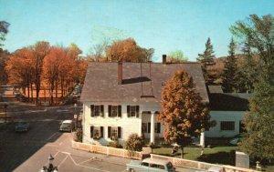 Woodstock, Vermont, VT, White Cupboard Inn, Chrome Vintage Postcard g9285