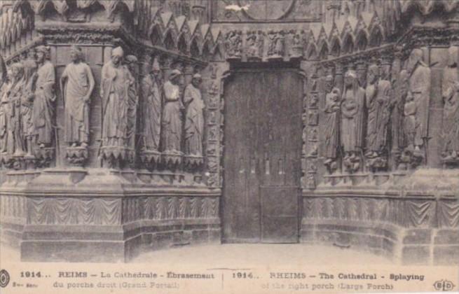 France Reims La Cathedrale Embrasement du Porche dropit Grand Portail