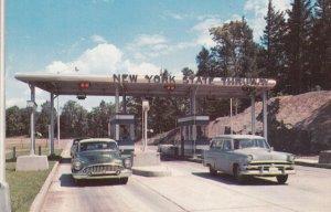CATSKILL , New York , 1950-60s ; State Thruway Exit 21