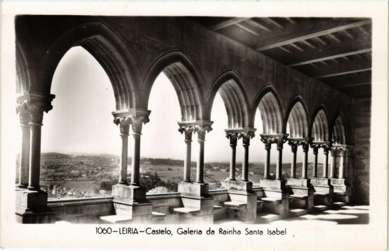 CPA Leiria- Castelo, Galeria da Rainha Santa Isabel, PORTUGAL (760824)