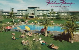 LAS VEGAS , Nevada , 50-60s Flamingo Casino Swimming Pool