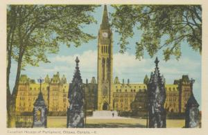 OTTAWA , Ontario , 10-30s ; Canadian Houses of Parliament