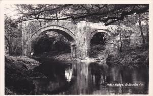 RP: ASHBURTON , Devon , England , 30-40s ; Holne Bridge