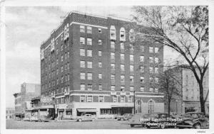 Quincy Illinois~Hotel Lincoln-Douglas~Classic Cars in Street~1962 B&W Postcard