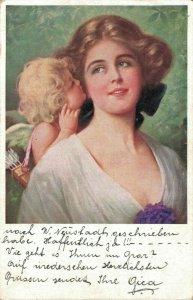 Woman in love Cupido - postcard   - 03.66